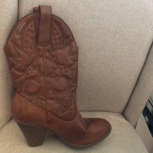Mossimo Cowboy Boots